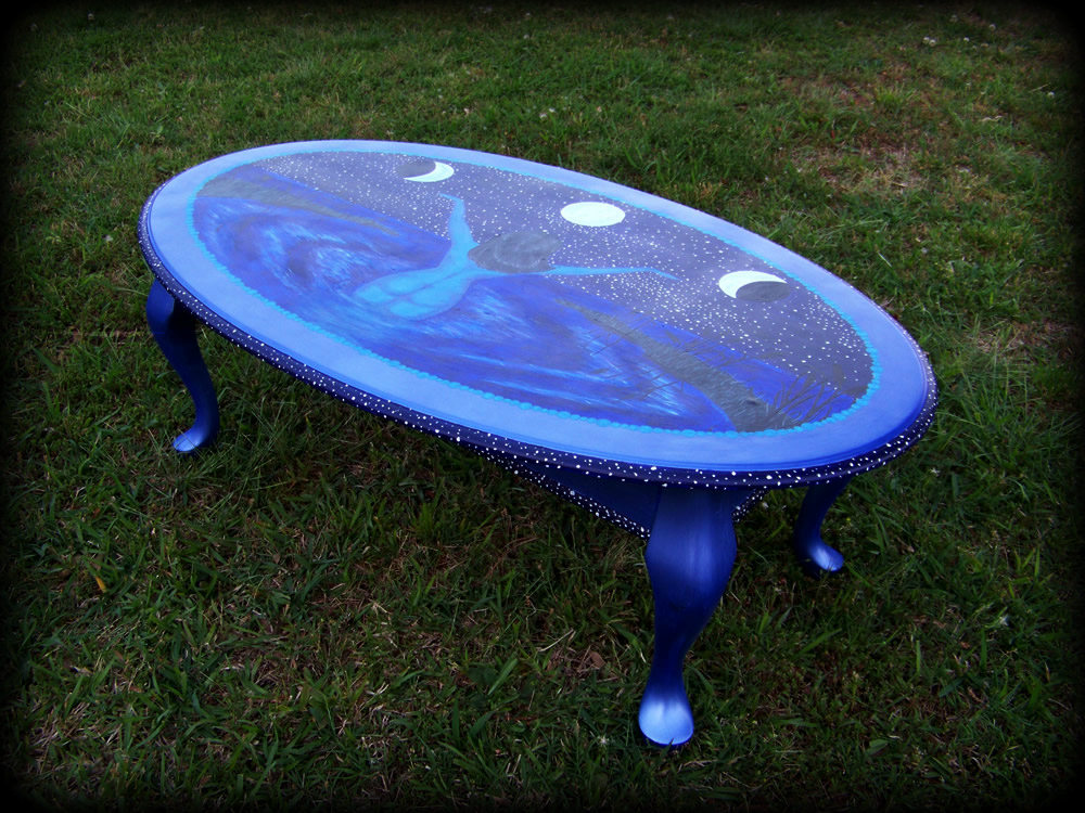 Draw the Moon table - hand painted furniture