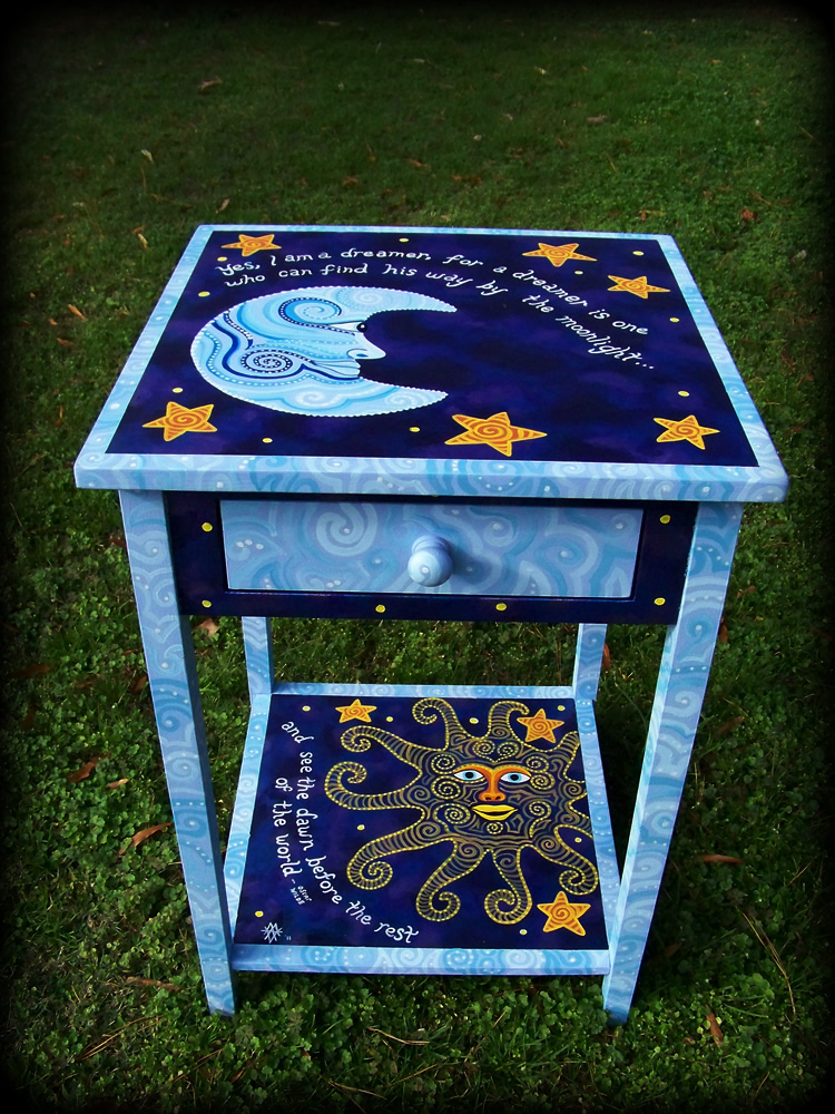 Dreamer's Moon Table