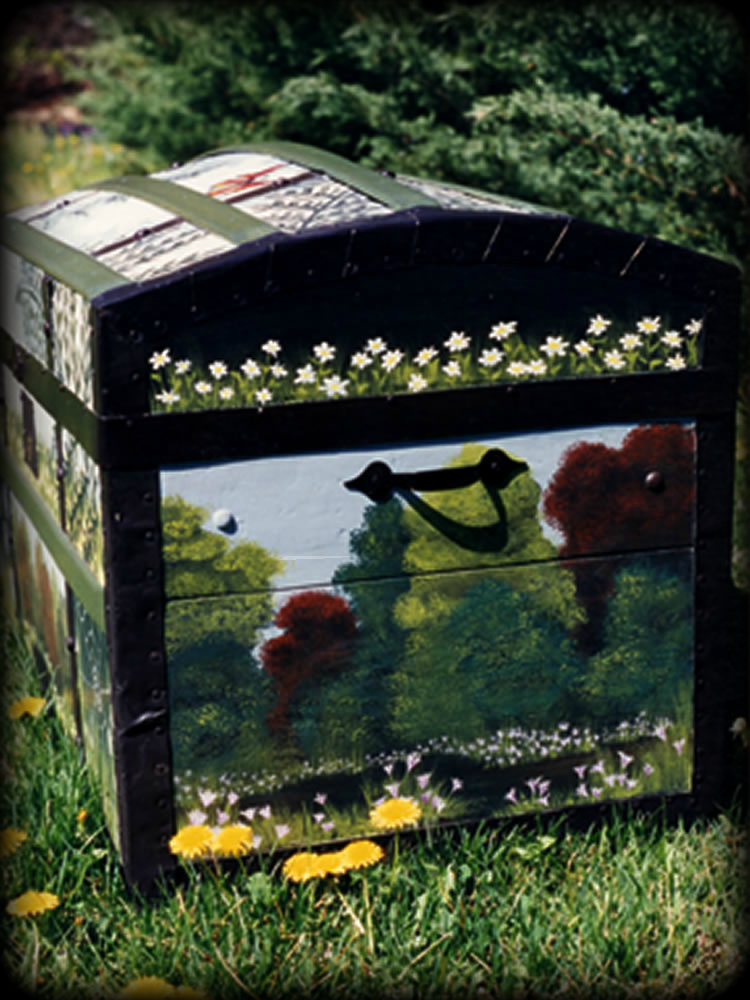 Woodland Meadow vintage trunk right view
